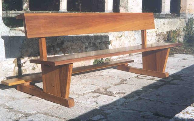Dona un banco para tu parroquia jorge de profesi n cura for Sillas para iglesia en madera
